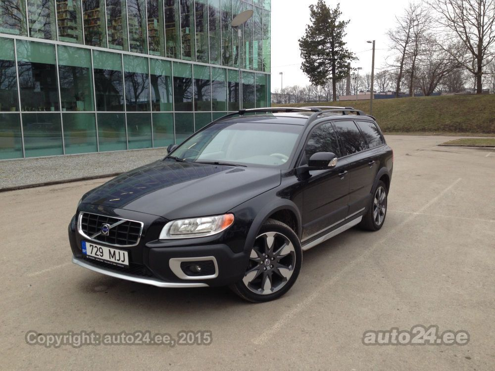volvo xc70 awd r design 2 4 d5 136kw. Black Bedroom Furniture Sets. Home Design Ideas