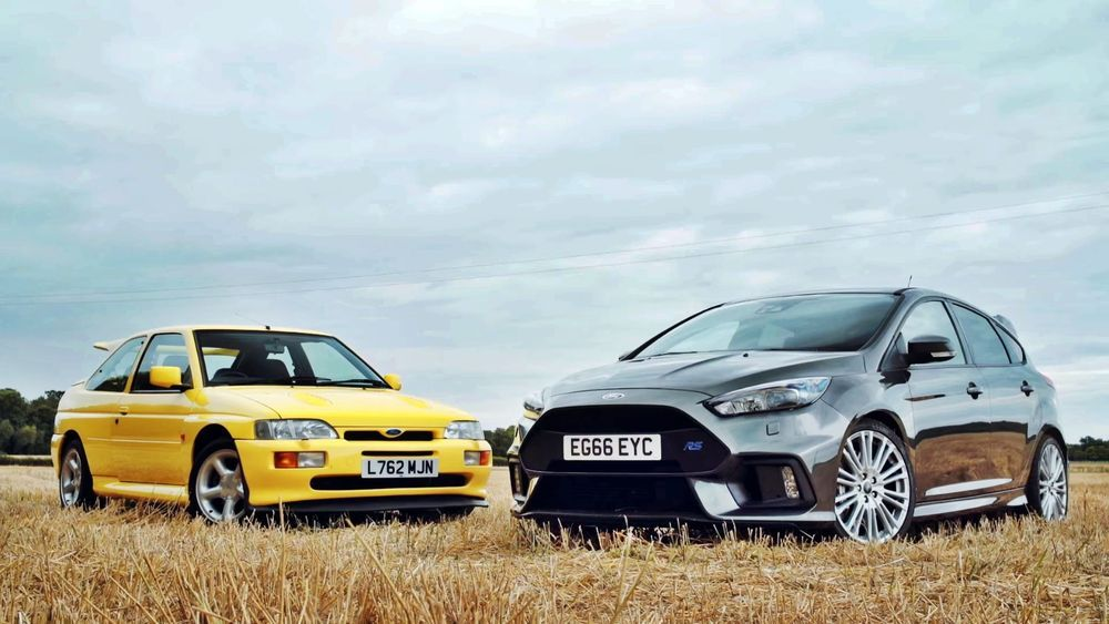 VIDEO: Ford Focus RS vs Ford Escort RS Cosworth