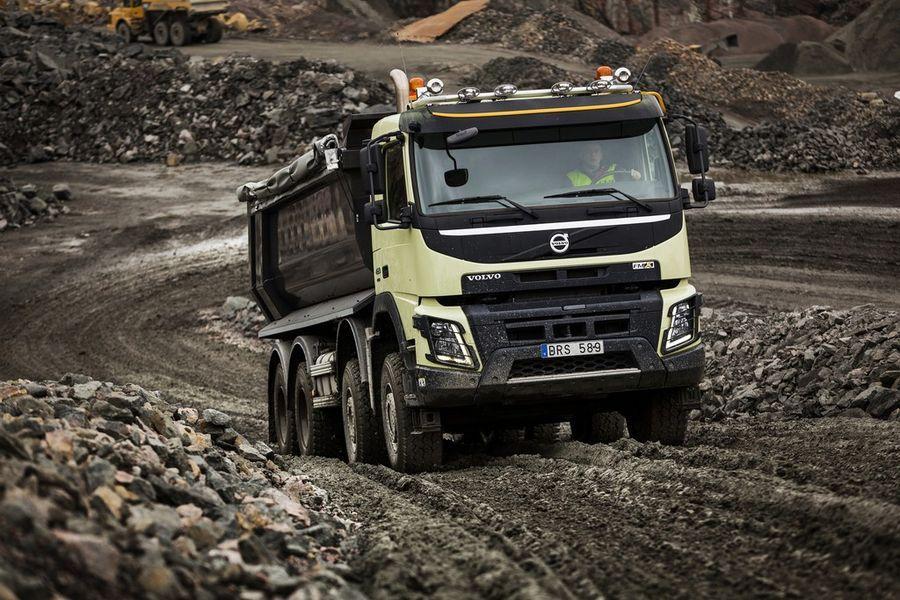 Volvo FMX saab automaatselt lülituva esisillaveo