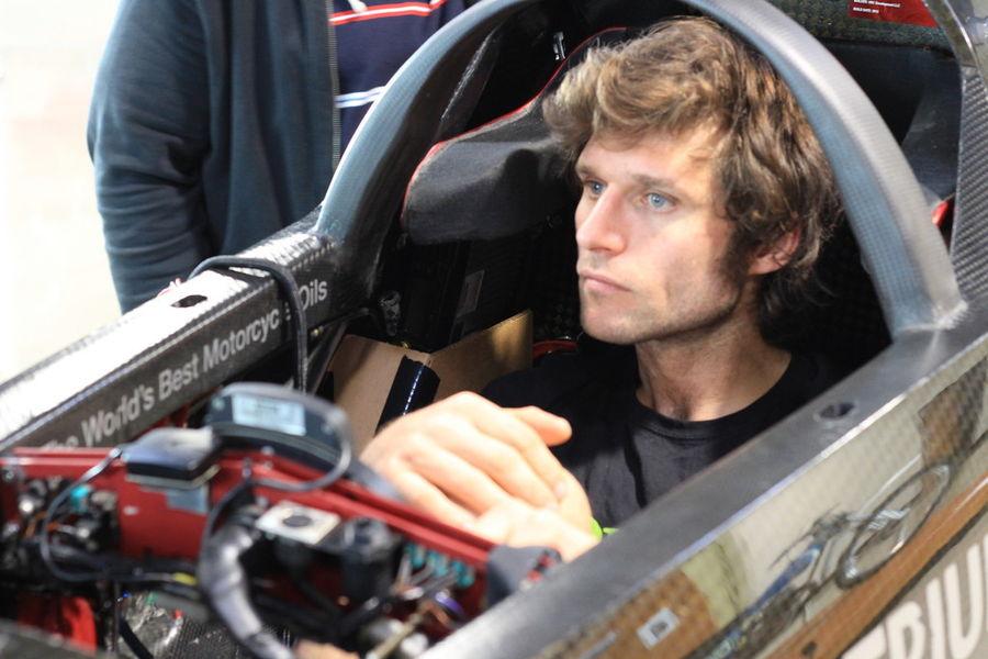 Guy Martin ja Triumph üritavad uut mootorrataste kiirusrekordit