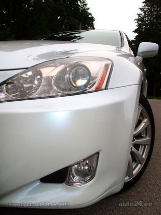 Lexus IS 250 WHITE PEARL 2.5 V6 153kW