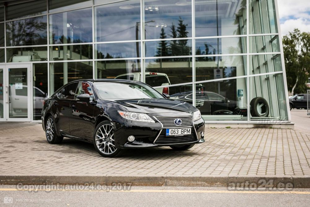 Lexus ES 300 Hybrid Executive 2.5 116kW · «
