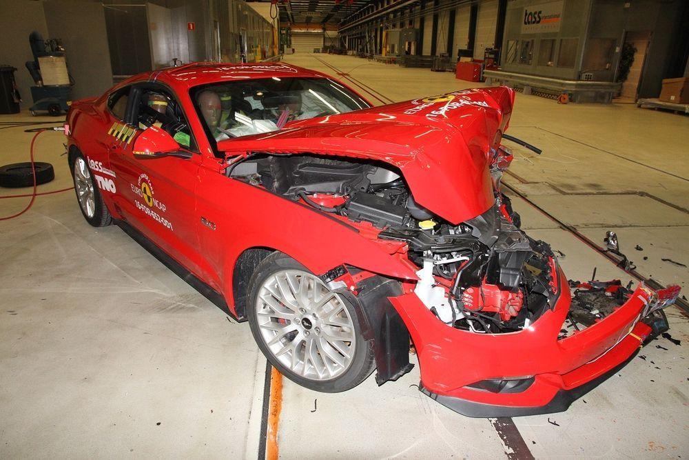Ford Mustang sai turvalisuse eest vaid kolm tärni