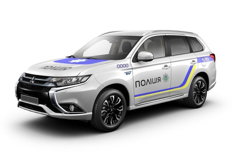 Ukraina politsei saab Mitsubishi Outlander pistikhübriidid