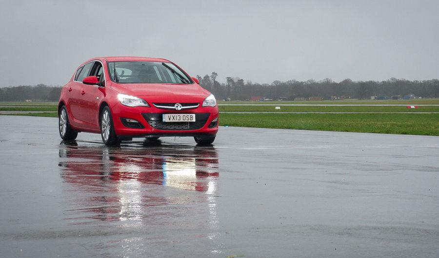 Top Geari Vauxhall Astra müüdi 17 800 naela eest