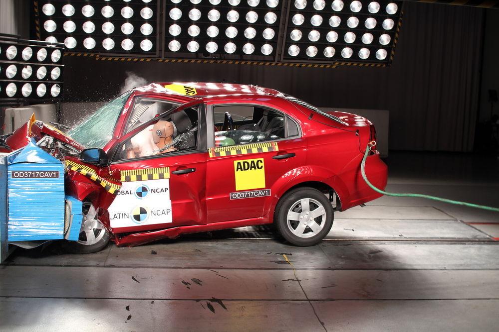 Chevrolet Aveo sai avariitestis null tärni