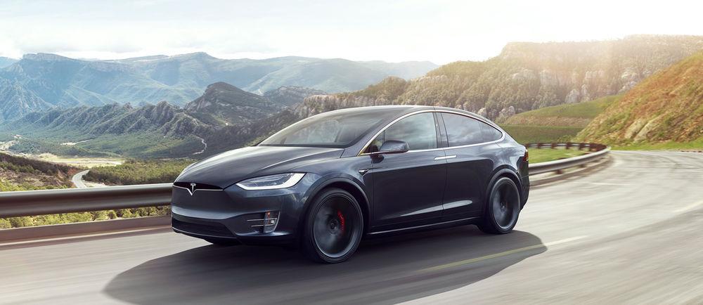 Tesla muutis mõned elektriautod kiiremaks